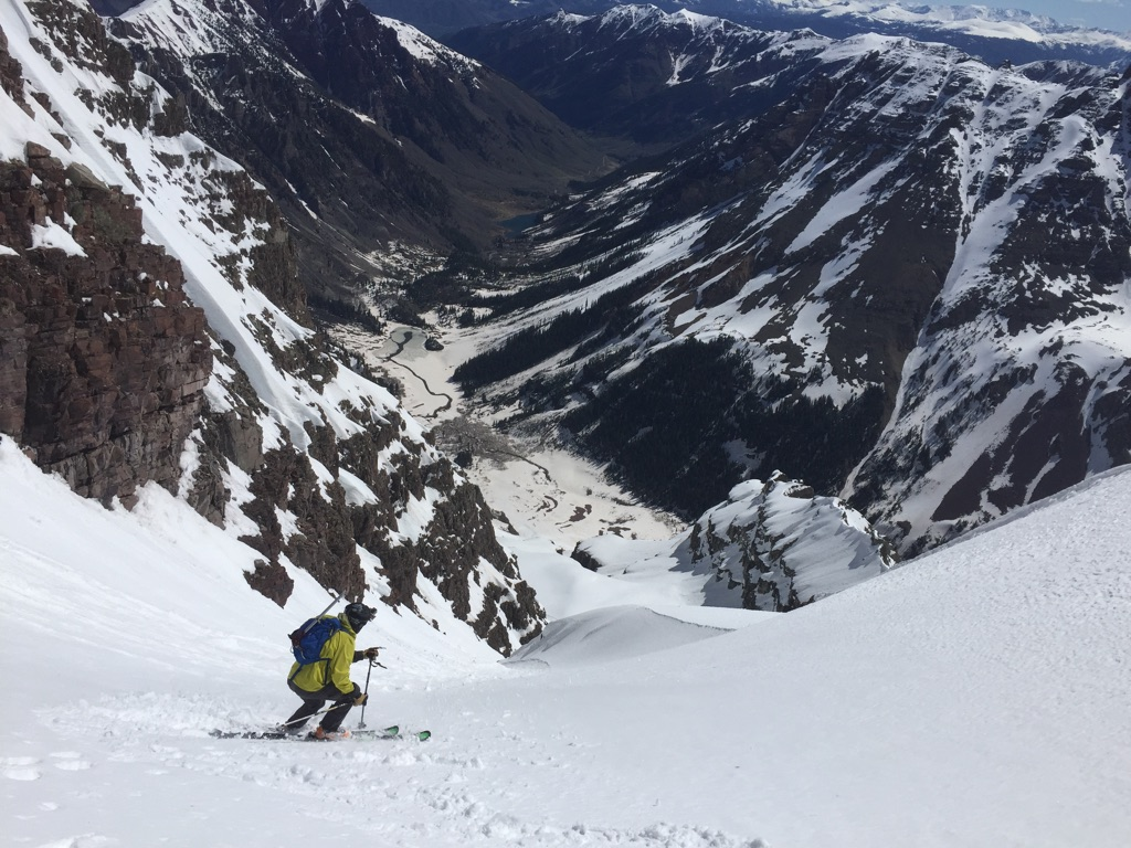 Jon Kedrowski skiing the Y Couloir on South Maroon.