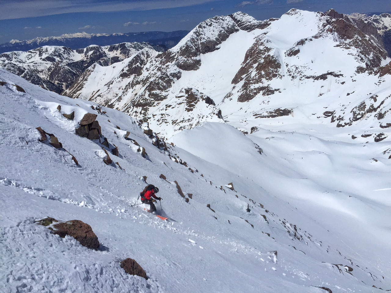 Nice turns on Windom on the north face Widowmaker.