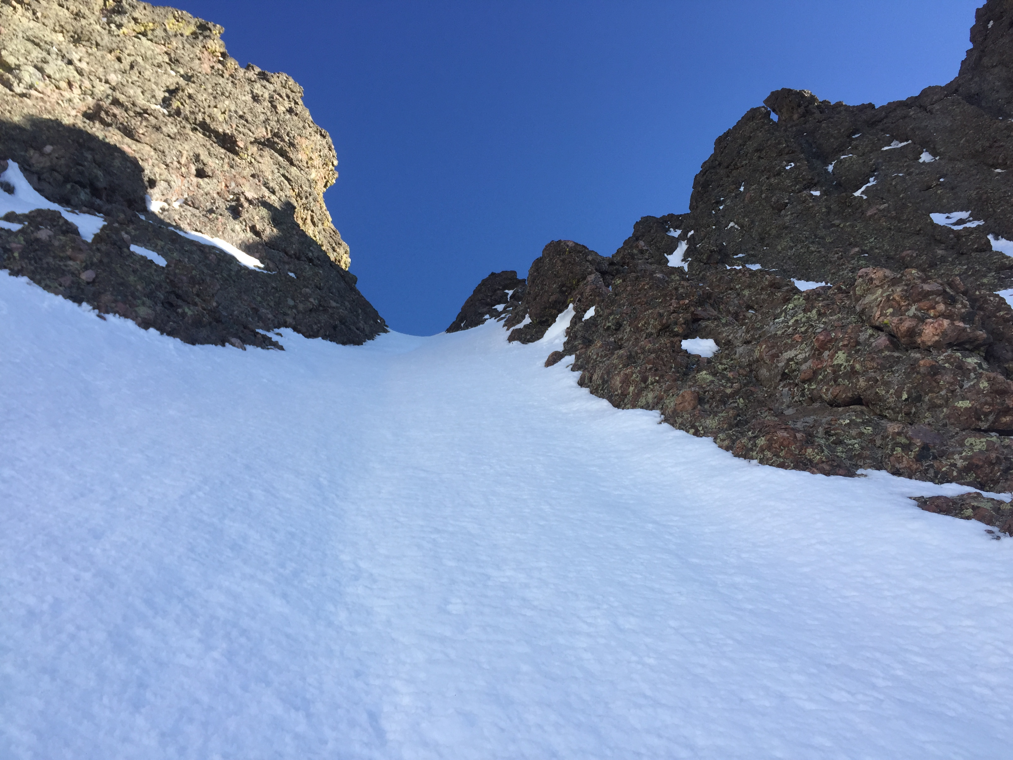 Perfect Conditions in the steepest and narrowest part of the south Couloir.